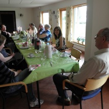 Lunsj med familie, slekt og venner./Lunch with my family, relatives and friends.