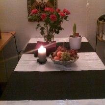 Plutselig dukket det opp noen blomster på bordet:)