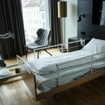 Rommet mitt på Scandic Ørnen etter ommøblering. Foto: Marta Øgaard