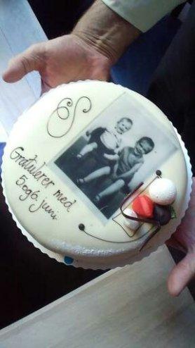 Bursdagskake til oss begge/ The birthday cake for both of us. Foto av Linn Simonsen